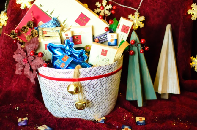 chocolat-by-frey-holiday-gift-basket-on-kirstin-marie
