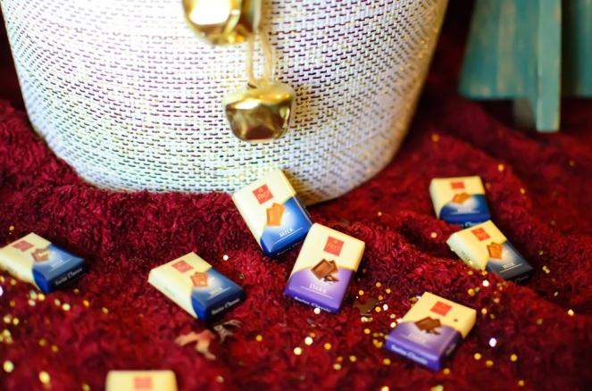 milk-and-dark-chocolat-by-frey-holiday-gift-on-kirstin-marie